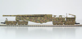 The complete model in Z (1:220) scale is 140mm long. This is a miniature work of art!